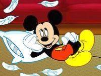 Микки Маус: бой подушками